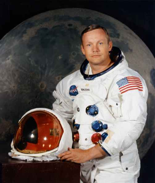 neil-armstrong-armstrong-astronaut-space-suit-41952.jpeg